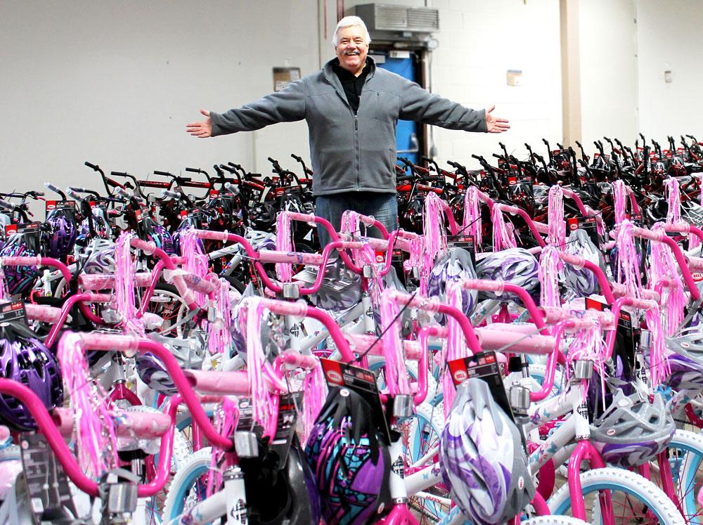 Scott Campbell breast cancer awareness bikes